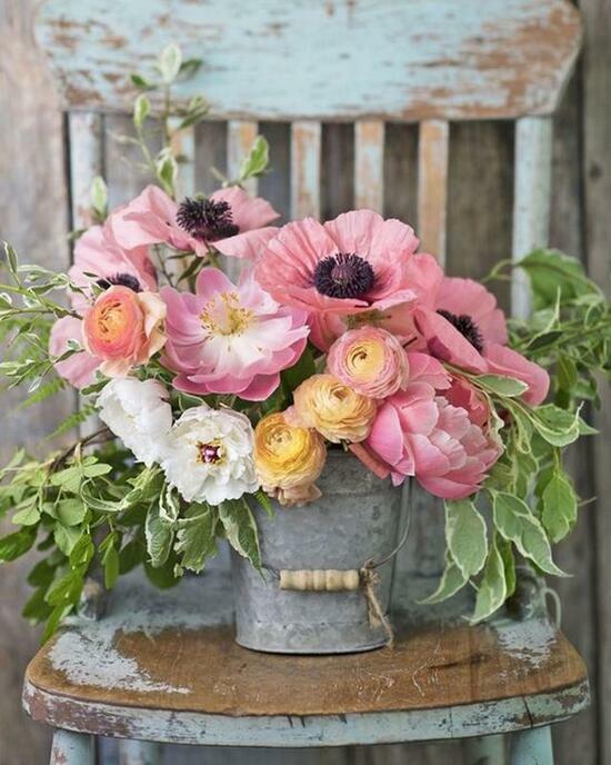 Картина по номерам 40x50 Ведёрко с букетом роз